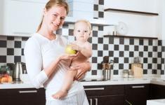 Postpartum Nutrition for New Moms