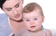 Moms Who Can't Breastfeed: When Do You Stop Trying?