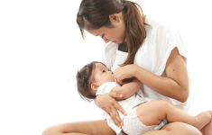 Breastfeeding for One Year (How Experienced Moms Made It Work)
